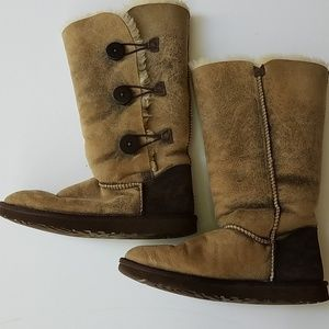 Uggs tall bailey button size 11 vintage look